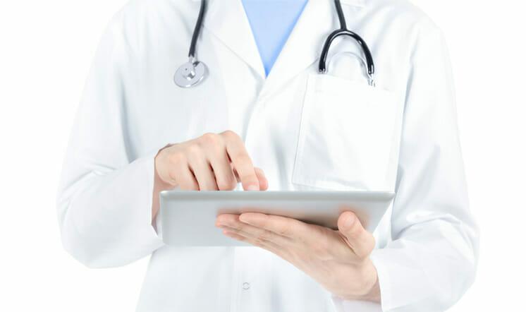 Doctor-iPad - Post Knee Suegery